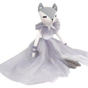 Lily Lashful Fox